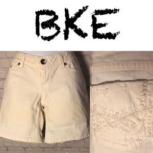 NWOT BKE Stella stretch shorts